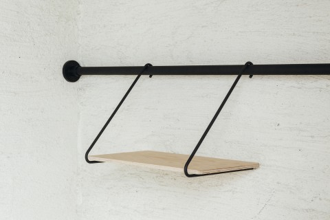 draw a line shelf B black