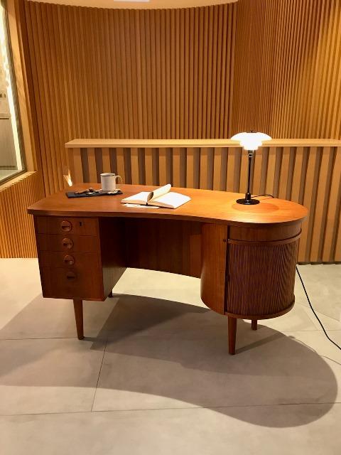 desk02